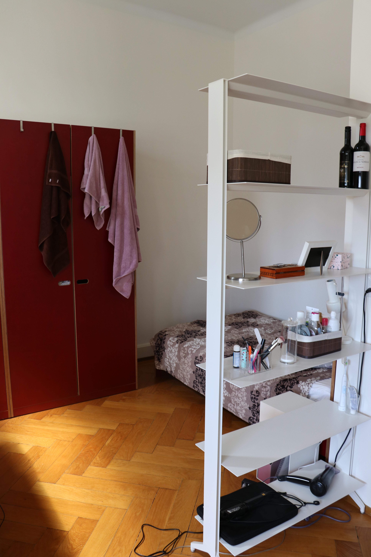 Room-example-3